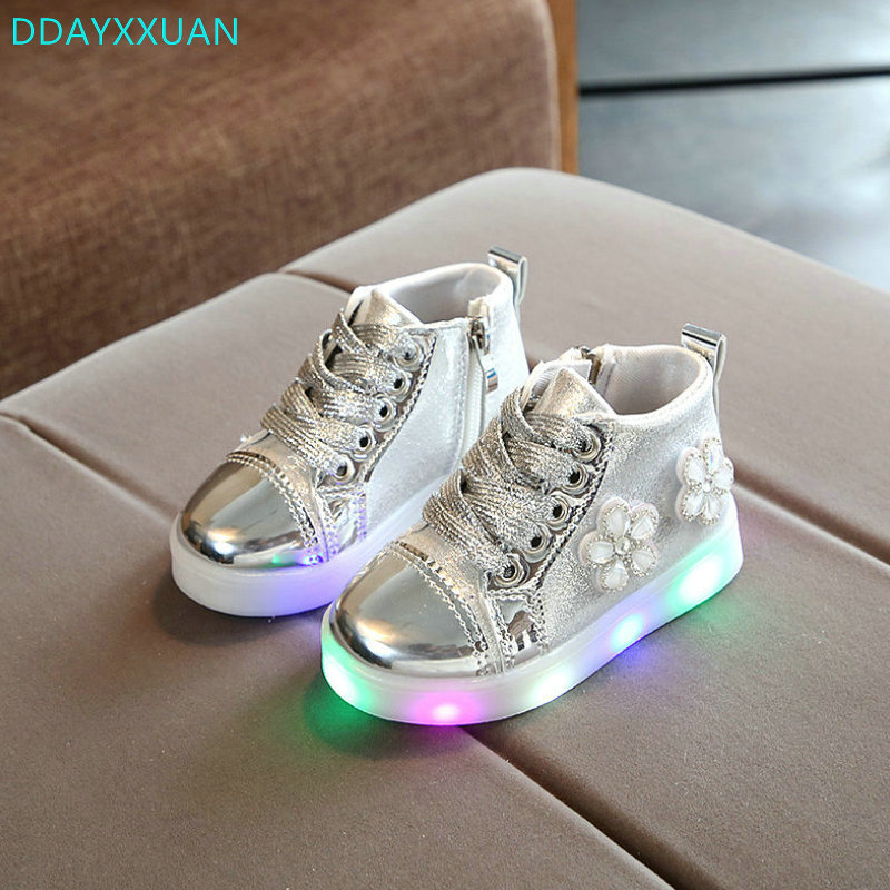 Children LED Sneakers 2018 New Spring Autumn PU Leather Kids Led Shoes Boots for Girls Princess Cute Shoes With Light EU 21-30