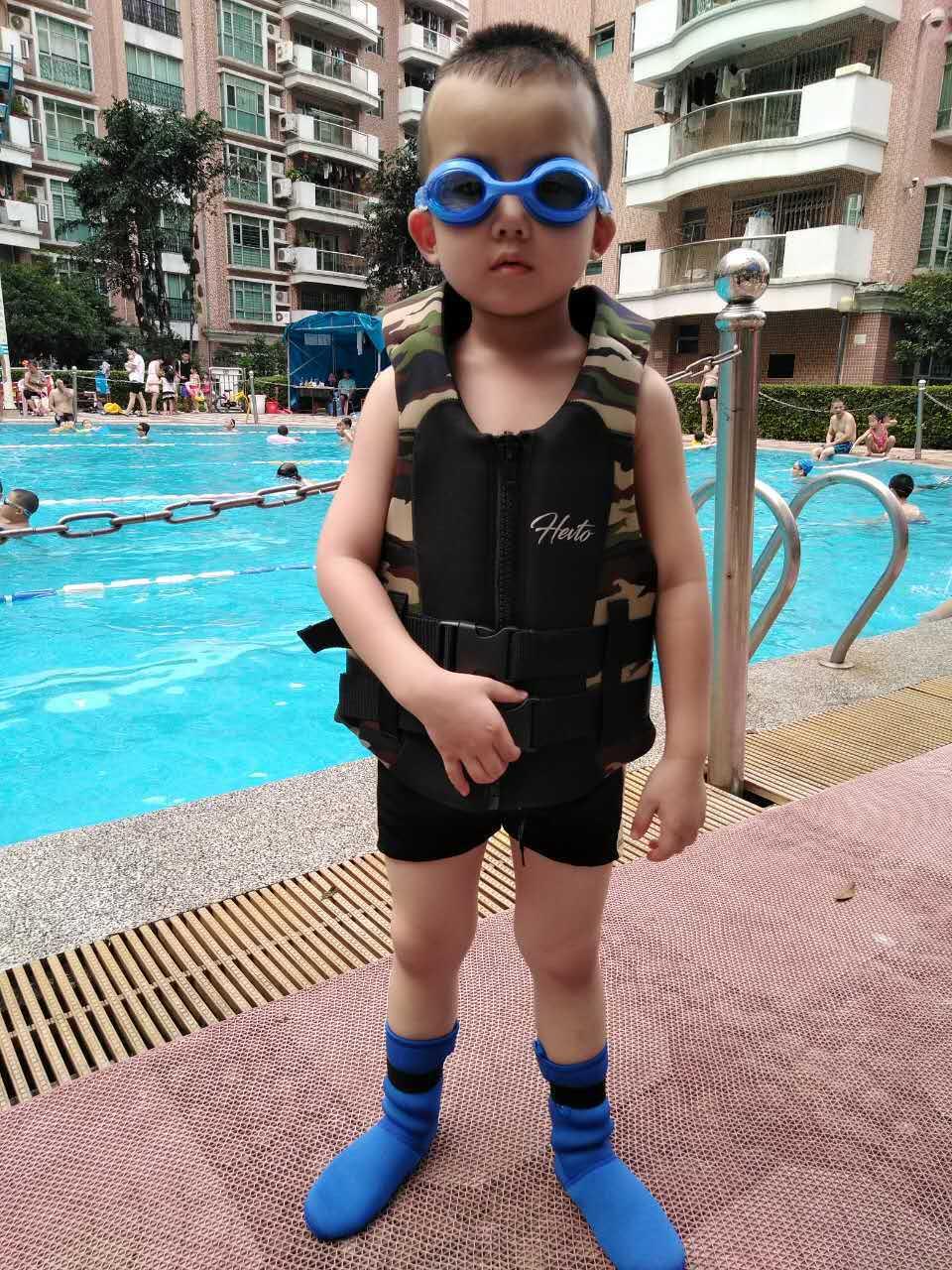 Schwimmweste aus Armeebestand aufblasbar