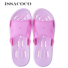 ISSACOCO Women's Slippers Couple slippers Beach Slippers Bathroom Leaking Water Non-slip Home Slippers Pantuflas Terlik Chinelos цена