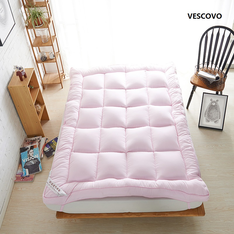 Comfortable high-end mattress with 8cm thickness Feather velvet padding warm and comfortable