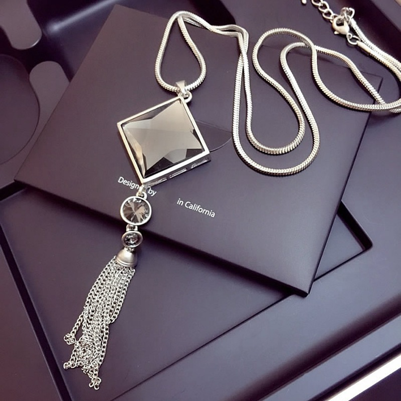 Vintage Geometrical Crystal Pendant Necklaces