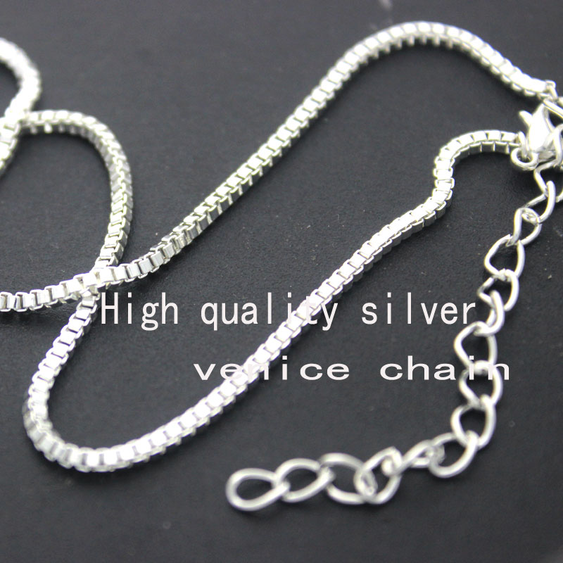 Akita Dog Pendant Necklaces Sliver Plated Collares Largos Animal Pendant Women New Design Dog Jewelry Wholesale Stores 2017