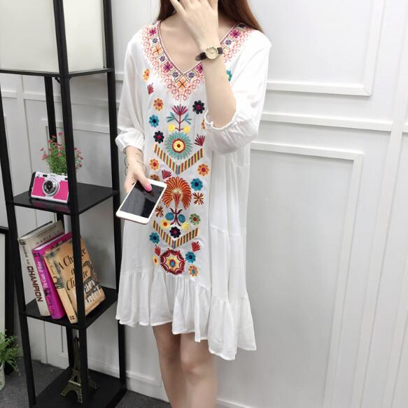 ca72b6d9e2 Embroidery Bohemian Beach Dress Vintage Floral Ethnic Women Dress Summer  Black Red Beige Blue White Short Dress AF115-in Dresses from Women s  Clothing on ...