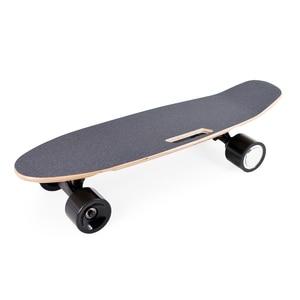 Image 1 - 도착 전기 스케이트 보드 성인 및 청소년을위한 무선 핸드 헬드 원격 제어와 휴대용 전기 스케이트 보드