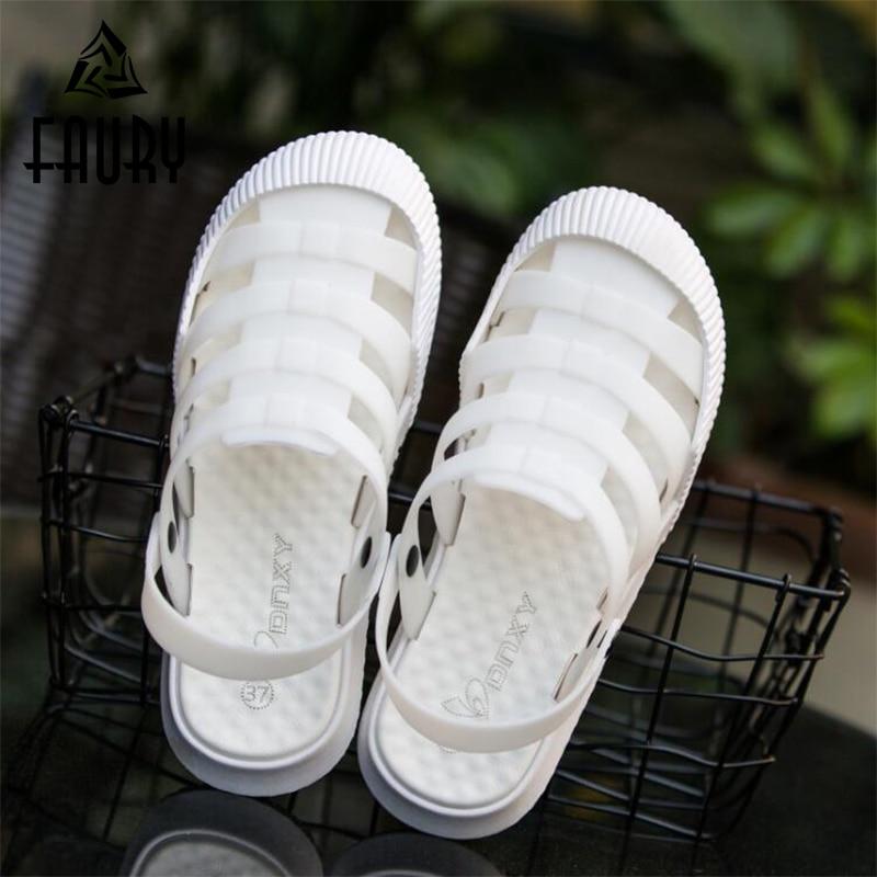 Summer Women Hollow Breathable Slippers Hospital Medical Nurse Flat Non-slip Work Shoes PVC Hole Shoes Female Beach Sandals