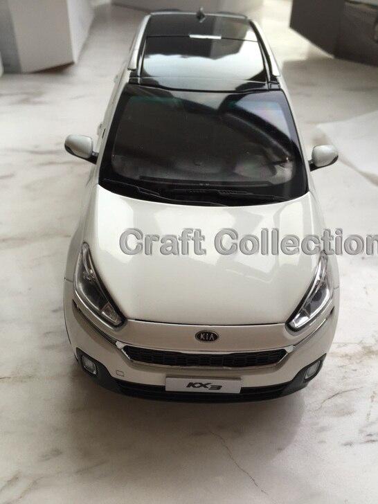 * White 1:18 Kia KX3 Cross SUV 2015 Alloy Model Diecast Cars Gifts Craft