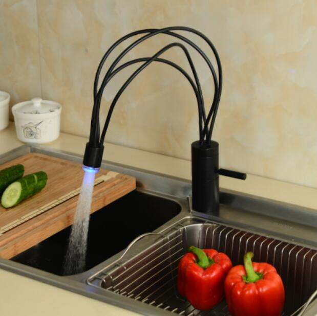 2015 top high quality new arrival brass material single lever ORB plating LED Kitchen Faucet bathroom