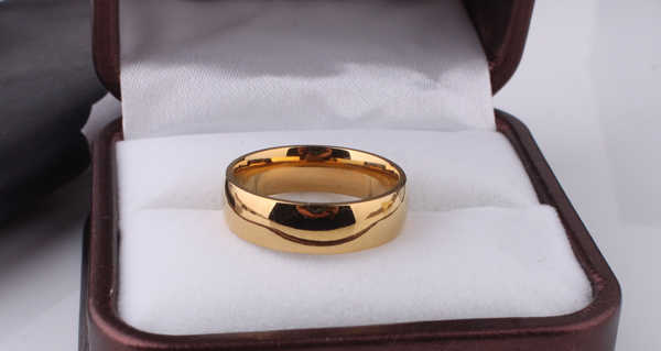 free shipping Light version  gold color rings 316L Stainless Steel men women jewelry  wholesale lots