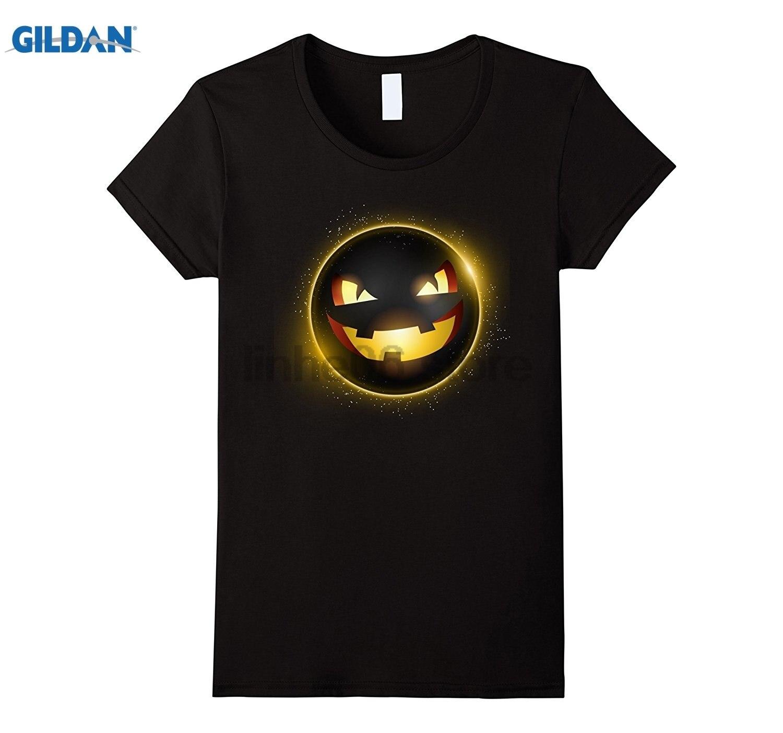 GILDAN Halloween 2017 US Total Solar Eclipse Pumpkin T-Shirt Womens T-shirt