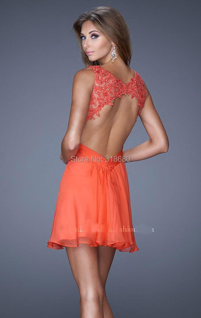 Robe dentelle couleur corail