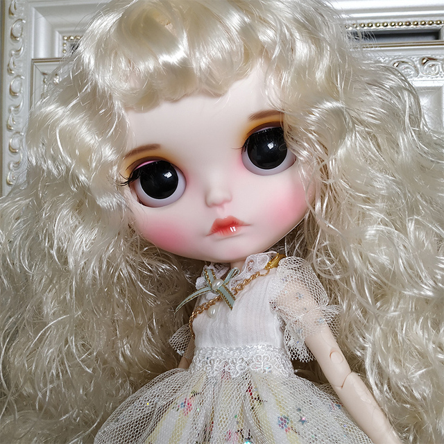 Sarah – Premium Custom Blythe Doll with Clothes Pouty Face