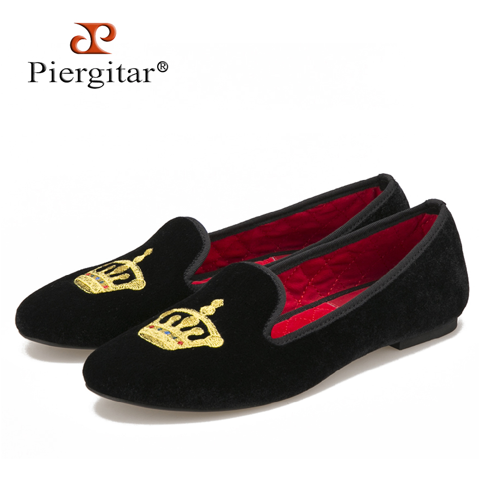 Piergitar New Crown embroidery women velvet shoes party and wedding women loafers same style couple shoes fashion women's flats
