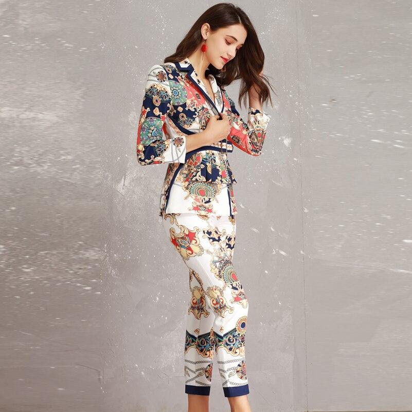 Kadın Giyim'ten Kadın Setleri'de Yüksek kaliteli Tasarımcı moda ceket Iki Adet Setleri kadın Uzun kollu Pilili Kemer Ince ceket + Baskı Ayak Bileği boy Pantolon Setleri Takım Elbise'da  Grup 3