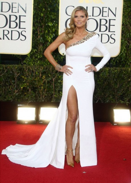 White Satin One Shoulder Long Sleeves Side Split Straight Celebrity Dresses 2019 Beaded Crystal Sweep Train Vestido De Festa
