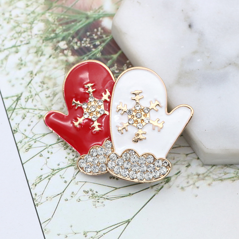 026f6b2aceb Christmas Brooches Rhinestone Charm Gloves Snowflake Brooches For Women  Brooches Pins Lapel Vintage Christmas Gifts Dropshipping-in Brooches from  Jewelry ...
