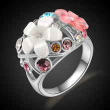 ROXI Fashion Luxury Ladies Women Jewelry New Delicate Morning Glory Flowers Shaped White Gold Color Shining Auden Ring