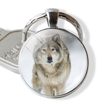 Мужской винтажный брелок wolf & moon стеклянный с кабошонами