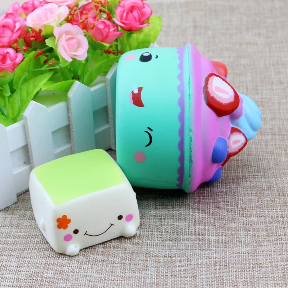 Color Random Strawberry Ice Cream Squishies Slow Rising Jumbo Fruit Face Cake Cute Phone Straps Soft Scented Bread Kid Fun Toys