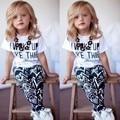 Летом Стиль одежды Девочка дети Letter Pattern Футболки и Геометрический Узор Брюки Из Двух Частей детской одежды 2-9 лет 34