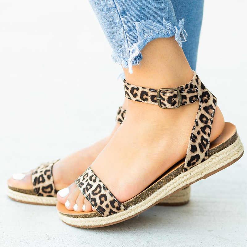 Kadın sandalet konfor kadın ayakkabı leopar düz sandalet yaz bayanlar ayakkabı kadın Sandalie toka Espadrilles artı boyutu 43