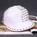 2017 новый Крокодил шаблон Пу кожа хип-хоп металла заклепки белая бейсболка мужчины женщины snapback hat