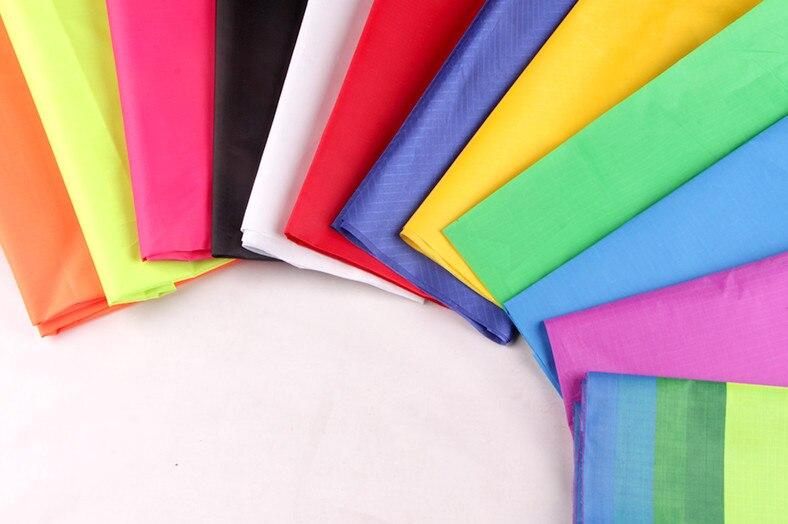Nouveau tissu en nylon de sport d'amusement en plein air 10 m pour le sac de cerf-volant/cerf-volant de bricolage