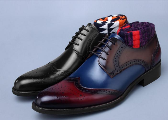 Из натуральной кожи мужские туфли на шнуровке резные башмаки разноцветные Свадебные Жених умный повседневная обувь острые носки туфли дер
