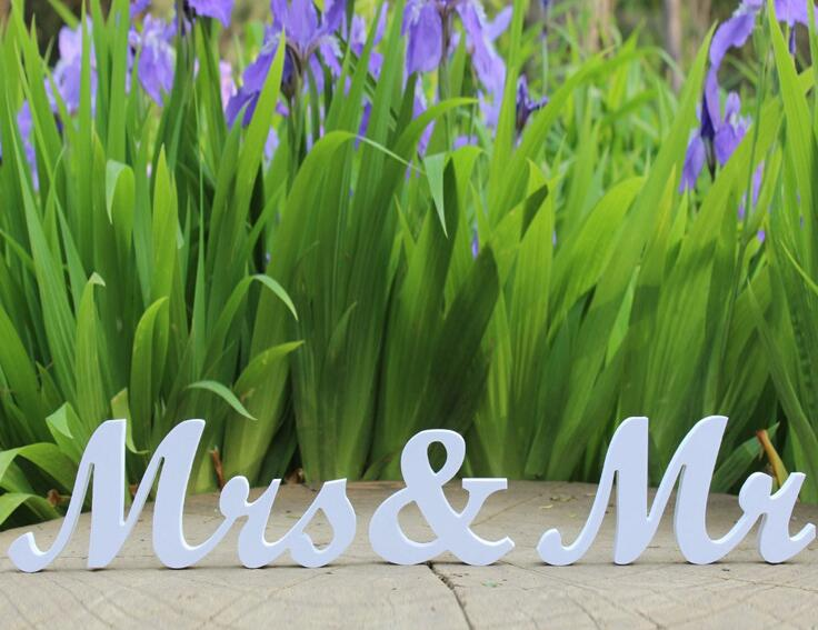 Type_2 1Set Wood Mr & Mrs Letters White For Sweetheart