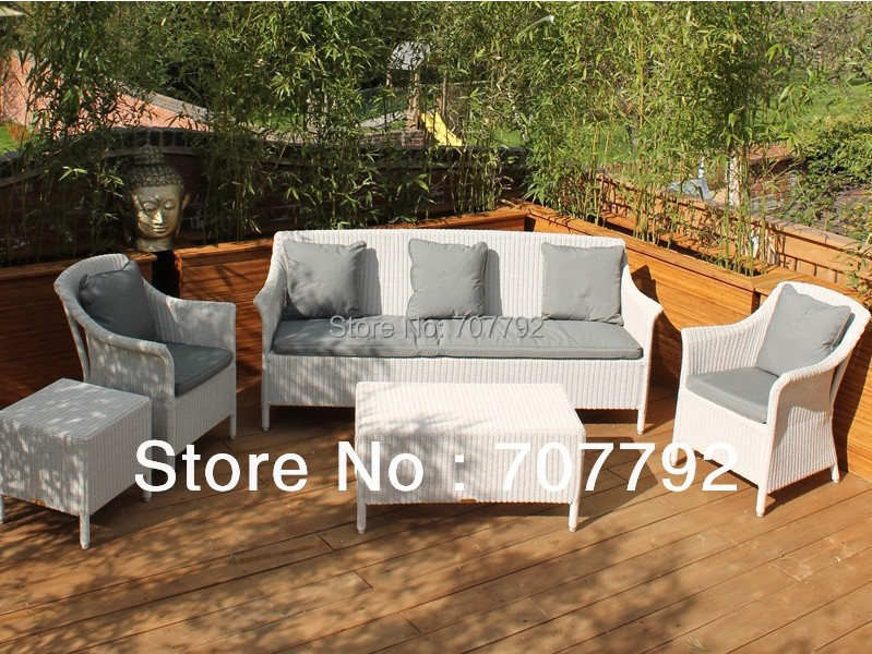 2017 New Garden Furniture White Colored Ratan 5 Piece Sofa Set