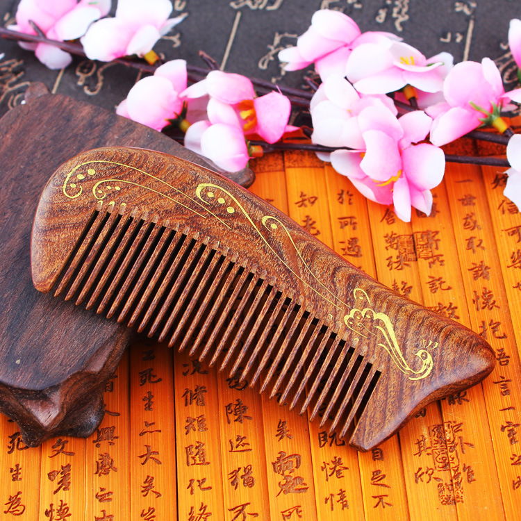 TI02 Sandalwood Combs Solid Wood Carving Ancient Foil Gold Combs Match Green Sandalwood Antistatic