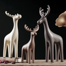 цена на Minimalist design ceramic deer home decor crafts room decoration handicraft porcelain animal figurines wedding decorations