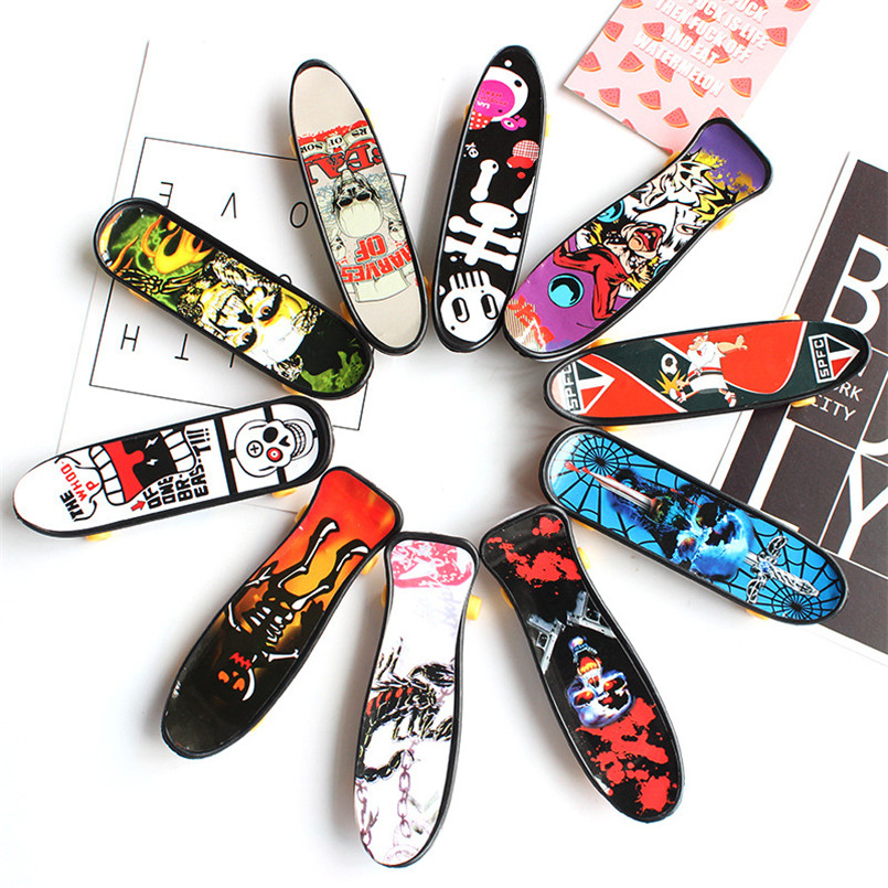 10 Pcs/set Plastic Mini Skate Finger Skateboarding Fingerboard Novelty Gag Toys For Boys Children Skateboard Finger Board Gifts