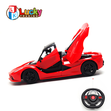 Fashion Cool Open Door 1:16 High Speed Remote Control Racing Car Gravity Induction Sports rc Car Toys uzaktan kumandali araba 1 14 rastar rc car remote control toys usb rechargeable built in battery door can open lit lights without retail box 71060