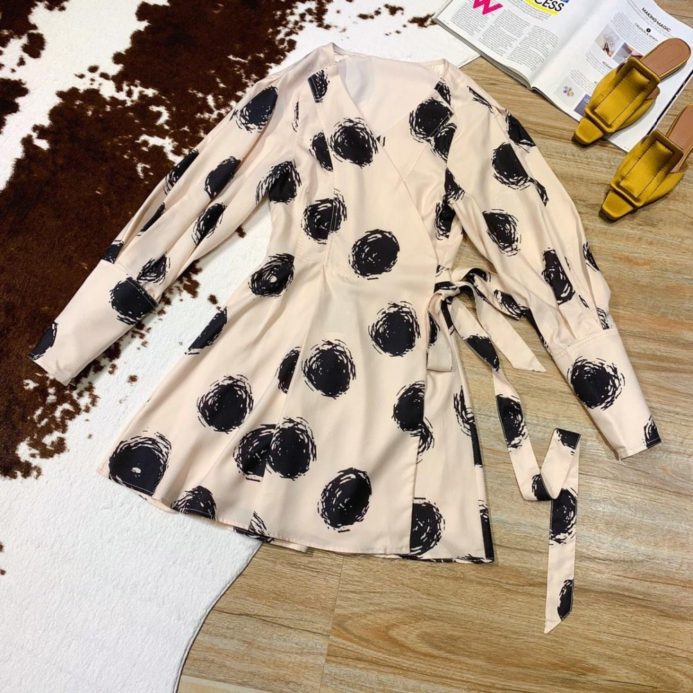 2019 new ladies fashion sexy ink graffiti printing pattern V neck puff sleeve female dress 0401