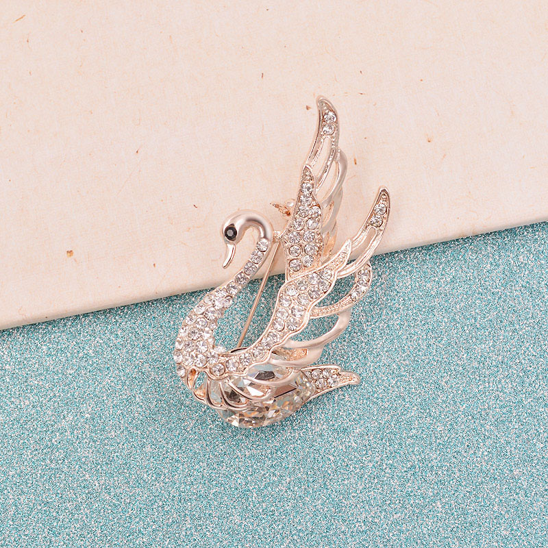 CINDY XIANG 3 Colors Choose Rhinestone and Crystal Swan Brooches for Women Elegant Animal Pins and Brooches Fashion Jewelry 19 7