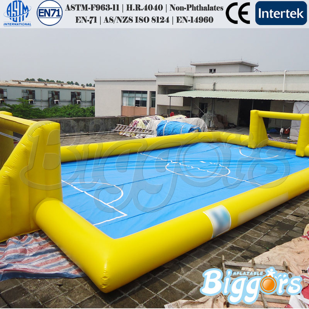 Best selling Chinese factory inflatable football field outdoor toys for kids