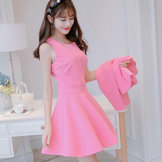 2017 New Women Cute Suit Spring Autumn 2 Piece Dress Full Cape Above