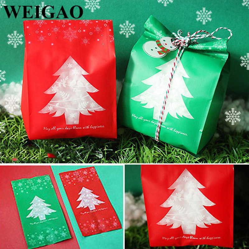 gifts snowflakes paper napkins for decoupage x 4. Christmas tree