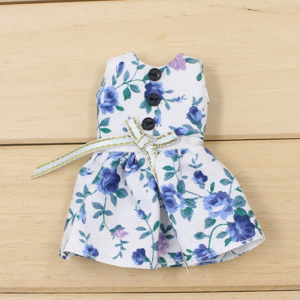 Middie Blythe Doll Blue White Dress 3