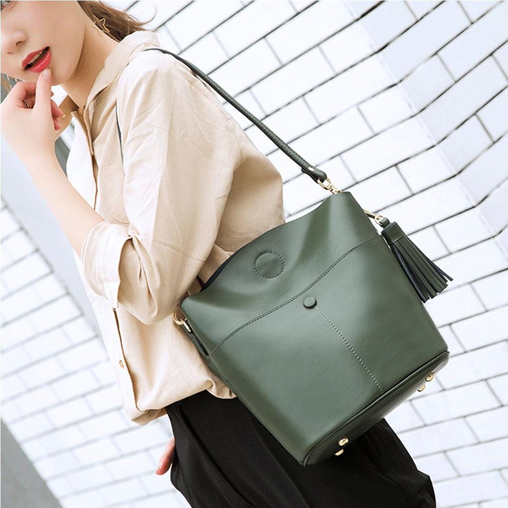 Genuine Leather Retro Brown Women Shoulder Bag With Tassel Lady Crossbody Messenger Purse Black Handbag