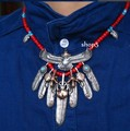 High-grade Goro 's head of gold eagle feathers red coloured glaze necklace
