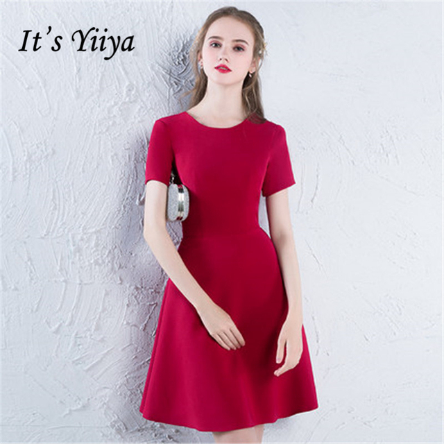 662175cde8803 US $96.4 |It's YiiYa 2018 Red Short Sleeve O Neck Fashion Designer Elegant  Cocktail Gowns Knee Length Cocktail Dress LX382-in Cocktail Dresses from ...