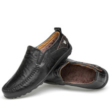 Handmade Genuine Leather Men Casual Shoes Luxury Brand 2018 Mens Loafers Moccasins Winter Slip on Black Formal Shoes
