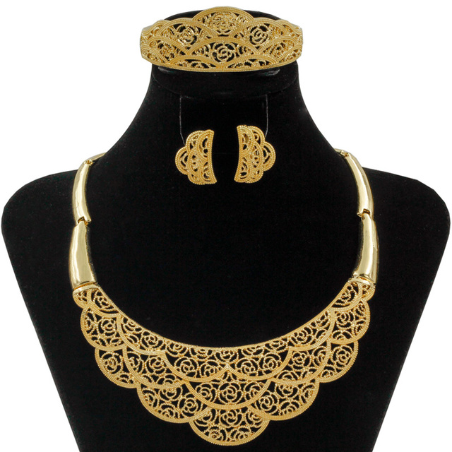2017 African Gold Big Necklace Fashion Dubai Crystal Costume Jewelry Accessories Women Bride Wedding Sets