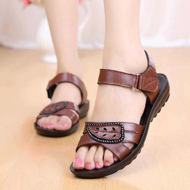 Flat Sandals Women Genuine Leather Sandals For Mother Summer Beach Shoes Hook-Loop Ladies Sandals Casual Shoes Basic Sandalias