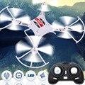 2016 Hot New Mini Modo Headless Modo 2.4G 4CH RC Quadcopter Drones Helicóptero 30 m controle Remoto de rolamento 360 grau