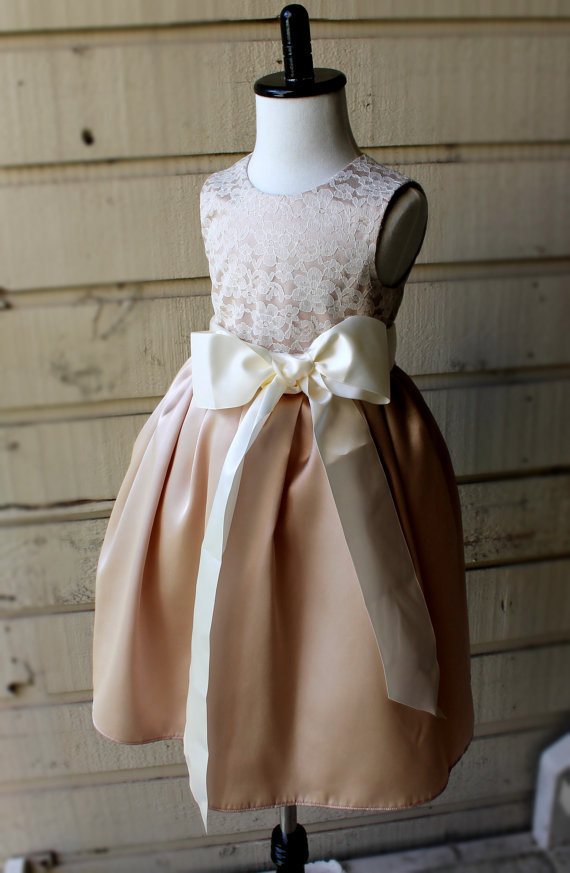 Vintage Flower Girl Dress Scoop Holy Communion Girls Pageant Evening Gowns Lace Appliques Champagne Mid-calf Vestidos 2-12 Old