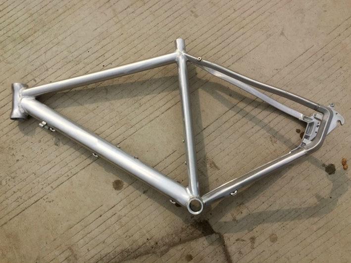 stock cool price aluminum alloy no paint 700c 19 inch disc brake road bike frame