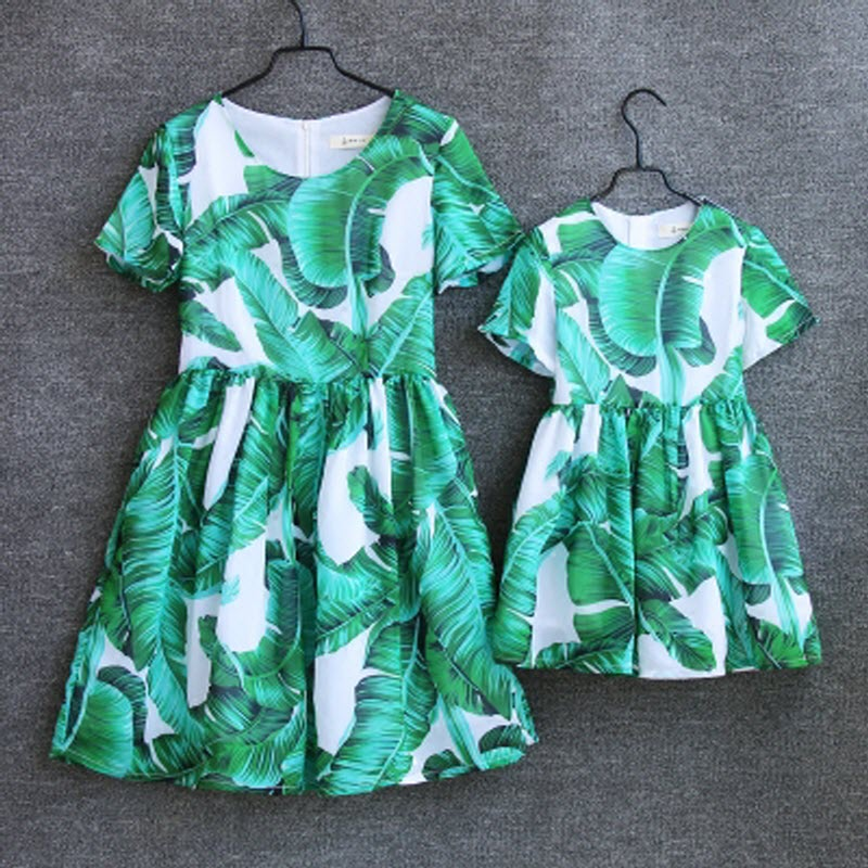 European and American Family Matching Outfits clothes dress women dress girl mom baby kid mother and daughter dresses Green leaf mother and daughter clothes short sleeved t shirt dresses family matching outfits baby girl clothes girls clothing long dress