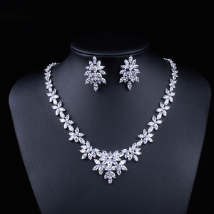 Image 2 - WEIMANJINGDIAN White Gold Plated Zirconia Bloemen Ontwerp Zirkoon CZ Ketting & Earring Huwelijk Bruids Sieraden Sets